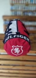 Bolsa Tommy Hilfinger para futebol, peladas academia etc tamanho grande frete grátis