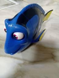 Lindo brinquedo procurando Dory falante
