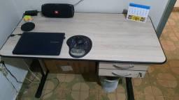 Mesa de Escritório / Estudos