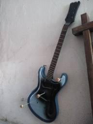 Guitarra usada para decoração