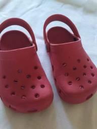 Chinelos Crocs infantil