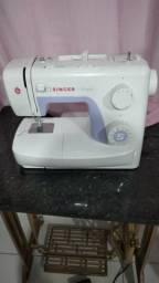 Maquina de Costura Singer comprar usado  Vila Velha
