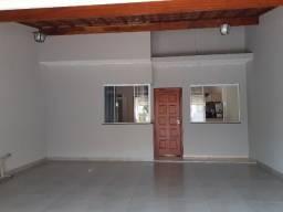 Casa com 2 quartos e 1 suite, area gourmet, excelente localização