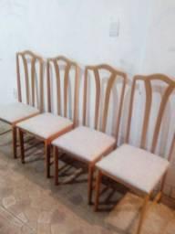 4 cadeiras reformadas