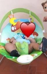 Cadeirinha para bebe. Toca música e vibra a cadeirinha