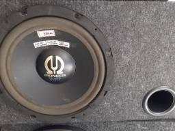 """Sub woofer 12"""" Pioneer das antigas com box semi novo instalado no seu carro"""