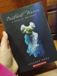 Livro em Inglês Distant Waves
