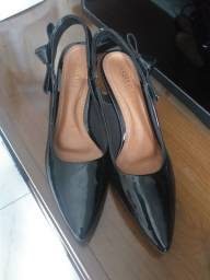 Sapato social salto pequeno 35