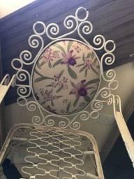 Vende-se cadeira de ferro detalhado