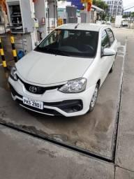Oportunidade de um Toyota Etios automático e novissímo