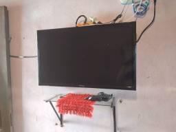 Vendo tv e sofá
