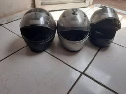 Vendo 3 capacetes