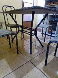 Mesa de granito 4 cadeiras, impecável