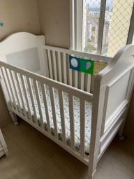 Berço/mini cama e cômoda Euclar (cor branca)