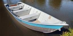 Vendo barco com carretinha e motor
