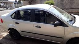 Fiesta sedan 1.6 flex 2005