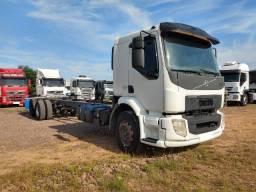 Volvo VM 270 6X2 2014 Truck Com Chassi de 11 Metros de Comprimento Revisado