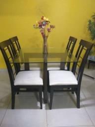 Vendo mesa usada - 4 lugares - R$ 450,00 para retirar no local