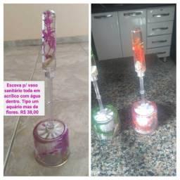 Escova para vaso sanitário em acrílico