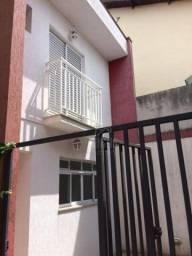 Casa em condomínio de 135m² composto por 3 dormitórios com 1 suíte, à venda por R$ 480.000