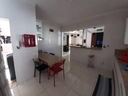 Casa para Venda em Uberlândia, Tubalina, 3 dormitórios, 2 suítes, 3 banheiros, 5 vagas