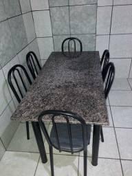 Conjunto de Mesa com 6 cadeiras