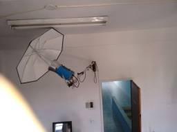 Flash de estúdio com suportes