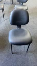 Título do anúncio: Cadeiras sem nova         40 unidades