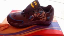 Tenis infantil de Led Batman