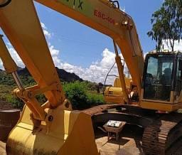 Escavadeira PC240