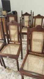 06 Cadeiras estilo colonial usadas em bom estado!!