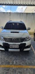Título do anúncio: Hilux sw4 srv 2014 7 lugares turbo diesel
