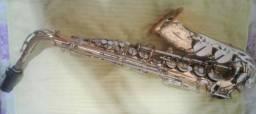 Saxofone Alto Vito - Mib - Dourado