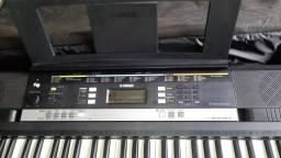 Teclado Yamaha psr243 profissional