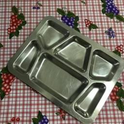 Bandeja refeitório em aço Inox
