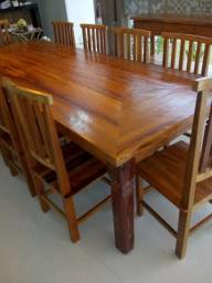 Vende-se mesas e cadeiras em madeira de demolição