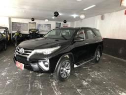 Toyota hilux sw4 2.8 srx 4x4 7 lugares - 2018