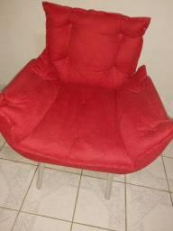 Poltronas, sofá namoradeira e um tapete grande!