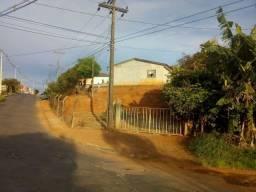 Terreno de esquina no Bonsucesso c/ asfalto - A/C Veículo !!