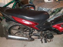 Vendo uma moto 125