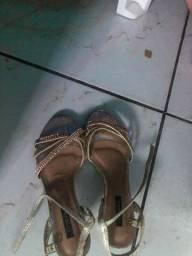 Sandália crysalis tamanho 36