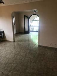 Boqueirão - Sobrado, sala 2 ambientes, 4 dormitórios, 1 suíte, área de serviço e 5 vagas