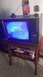 RELÍQUIA - TV SHARP POR APENAS 200.