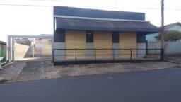 Casa e Salão comercial em Goioerê