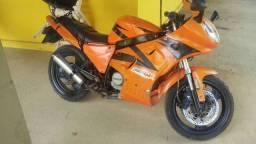 Shineray. 200cc vender ou trocar(moto ou carro)