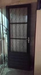 Usado, Porta de ferro com vidro comprar usado  Itaquaquecetuba