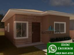 D CA0404- Excelente casa com 3 dormitórios, 2 vagas, em lugar tranquilo!