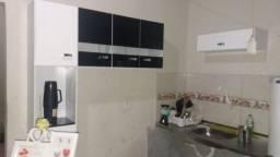 Vende-se armário de cozinha semi novo