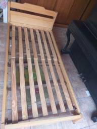 Cama solteiro móvel de gramado