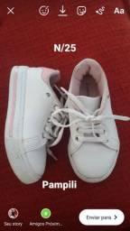 Sapatos esportivos infantil